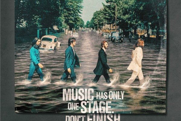 """Mundo Livre FM """"Music has only one stage. Don't finish with it."""""""