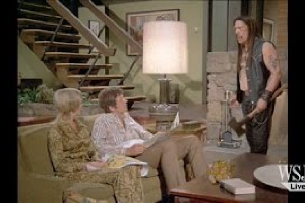 Snickers: Marcia and Jan in Brady Bunch