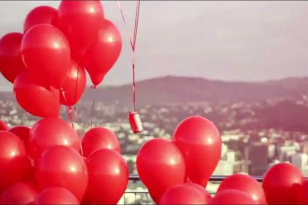Coca-Cola: Love Is In The Air