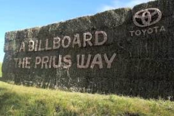 Toyota: A billboard the Prius way