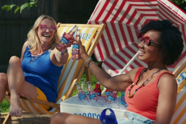 "Seagram's Escapes ""Sip Happiness"" at home"