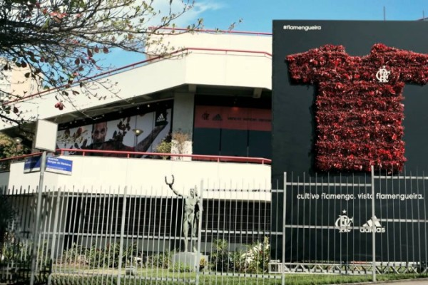 The campaign for the new Flamengo jersey, created by adidas